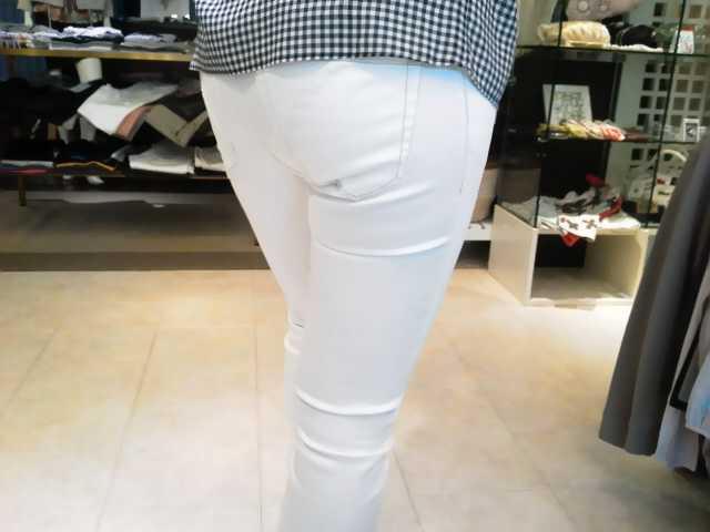 「シビリゼ」の透けない白パンツ