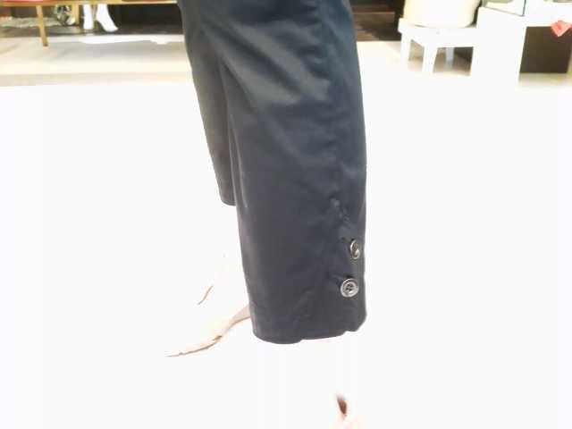 「シビリゼ」の黒パンツ