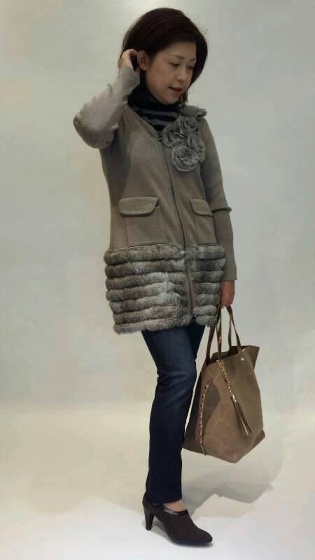 『ヴェロフォンナ』ファー付きニットジャケット