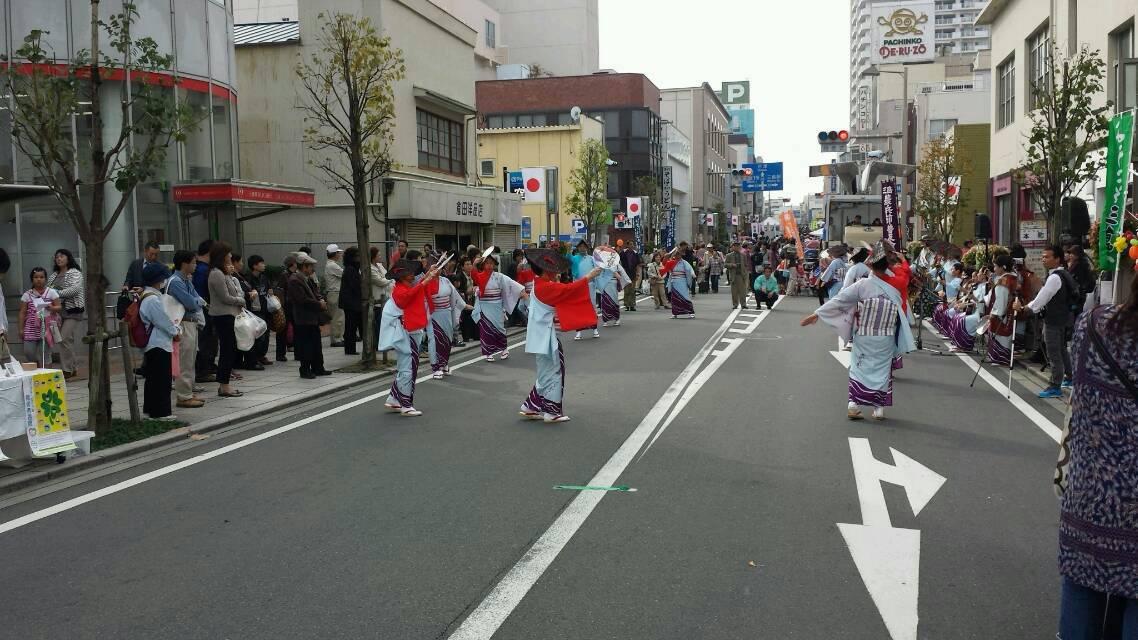 文化の日は、歩行天です。