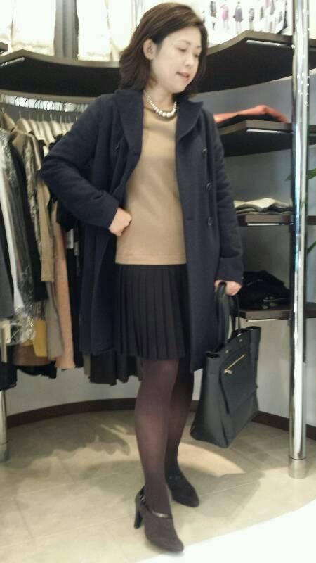 チェスターコート+<br />  きれいめワンピース