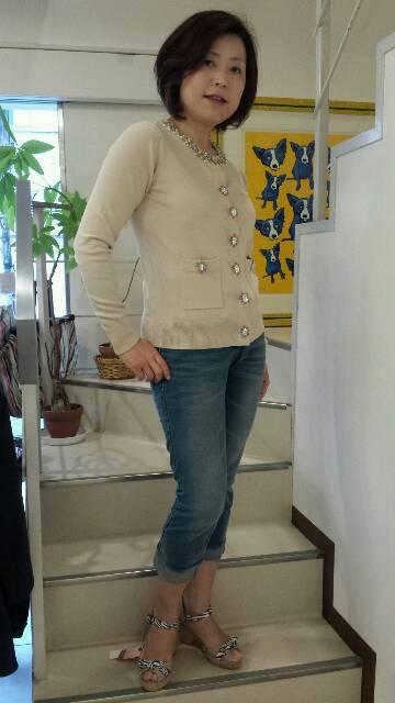 『ヴェロフォンナ』カラフルビジュー付きニット